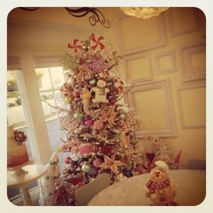Would love to have this tree in my shop. Simply beautiful!!