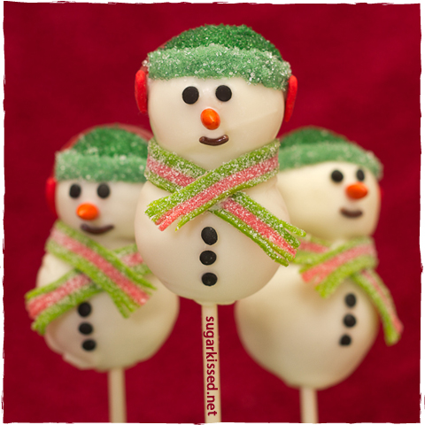 Snowman Cake Pops | sugarkissed.net