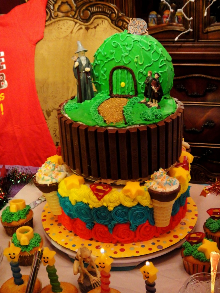 Su-per Star Hobbit Birthday Cake