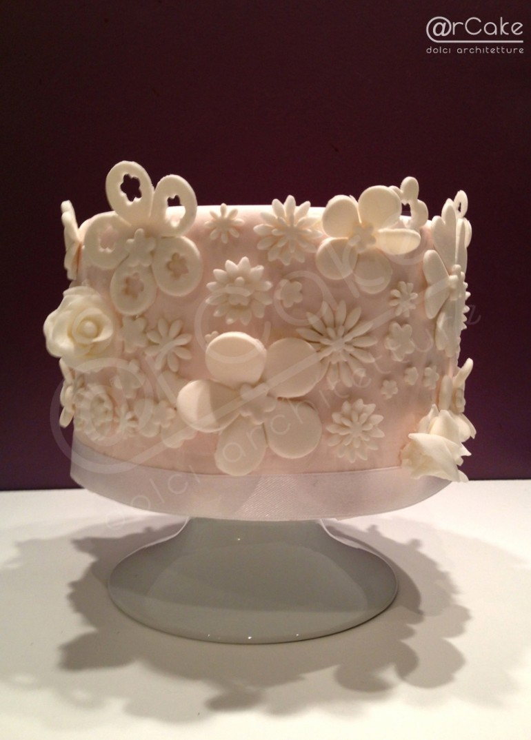 total white flowers cake
