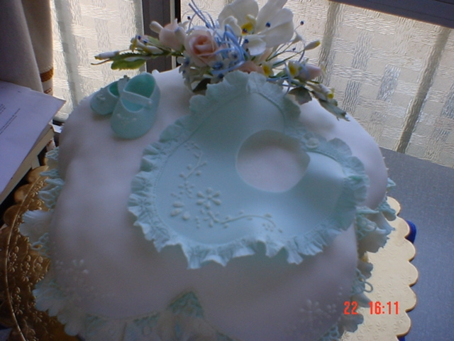 A cake for a little boy