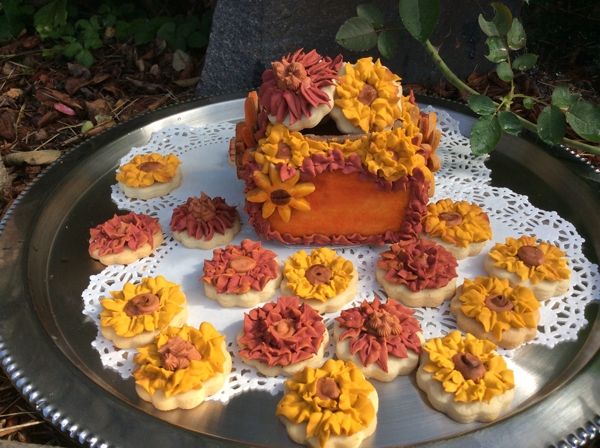 autumn cookie box with flowers