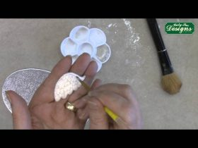 Create Realistic Feathered Wings in Fondant - Cake Decorating Tutorial