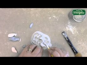 Rabbit Mould - Sugar Buttons Cake Decorating Tutorial