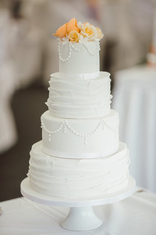 5 Wedding Cake Trends That Will Be All the Rage in 2020